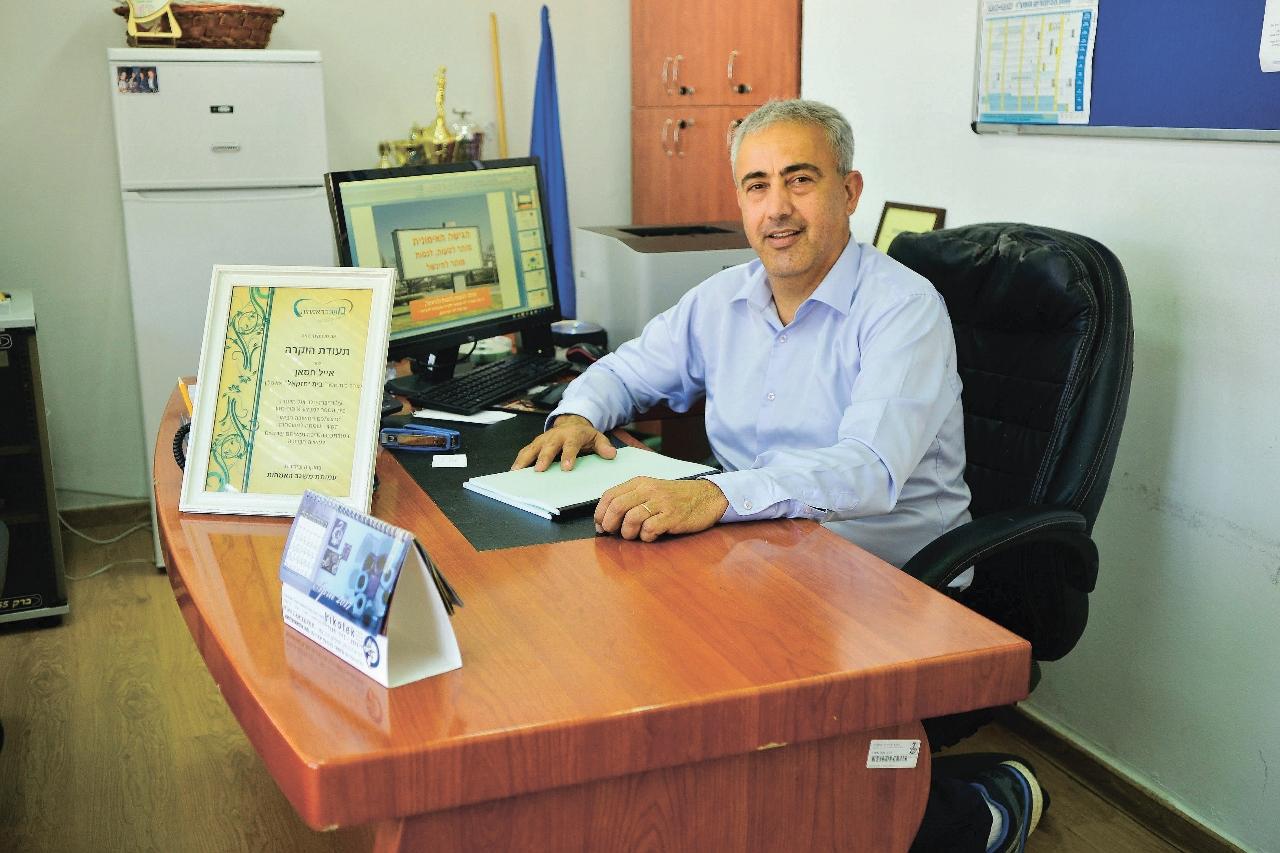 אייל חסאן בית ספר יחזקאל אשקלון-אורי קריספין001 (1280x853)