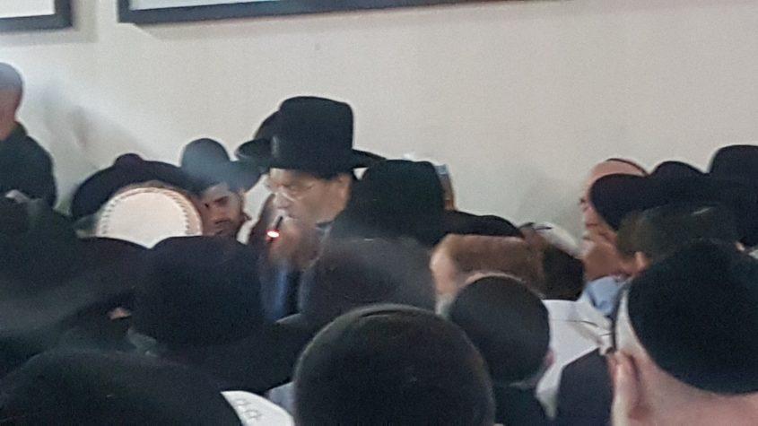 הרב יצחק ברדא סופד לבתו