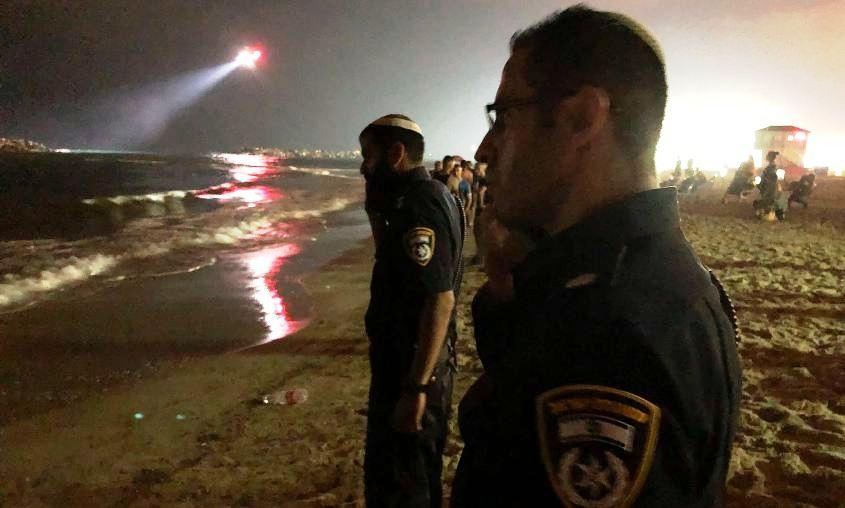 מחפשים את הנעדר. צילום: דוברות משטרת ישראל