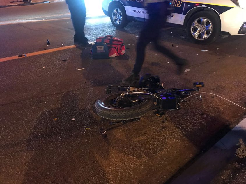 אופניים תאונת דרכים ניידת משטרה צומת בת הדר כביש 4