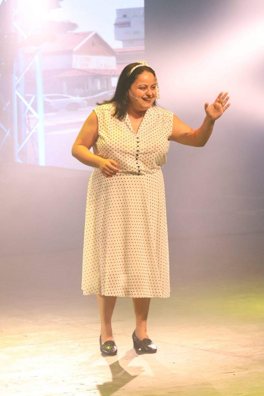 מחזמר ענבל גלאם על הבמה. צילום: סיוון מטודי