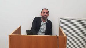 שמעון בן חיים בדוכן העדים בבית המשפט
