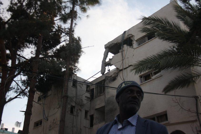 הבניין שנפגע ביום שני בלילה ובו מצא את מותו גבר