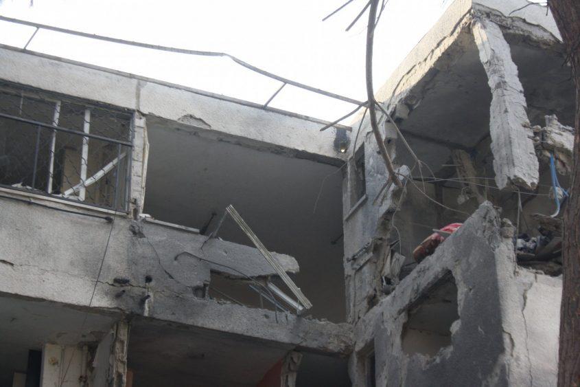 הדירה בקומה הרביעית שספגה את רוב הפגיעה ונהרסה כלילה