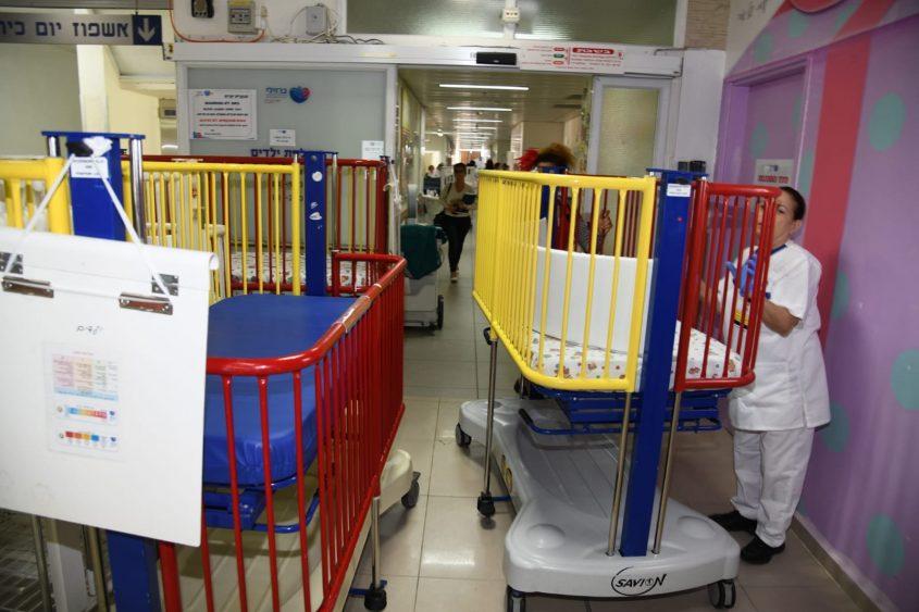 העברת מחלקת הילדים בבית החולים ברזילי. צילום: דוד אביעוז, דוברות ברזילי