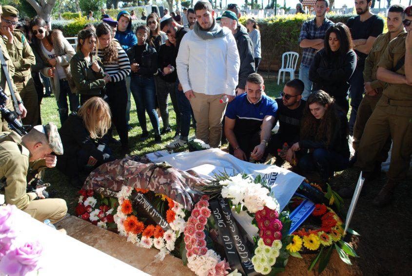 קברו של יובל מוריוסף לאחר שנטמן בחלקה הצבאית באשקלון. צילום: אלירם משה