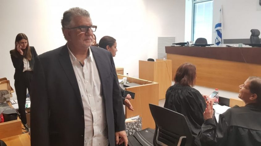 אריק ברששת בבית המשפט