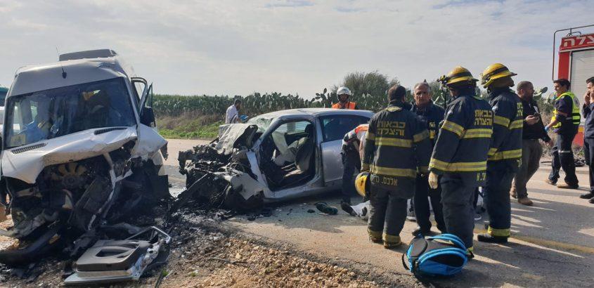 הרכב שנפגע ובו נהרגו הצעירים. צילום: דוברות כבאות והצלה מחוז דרום