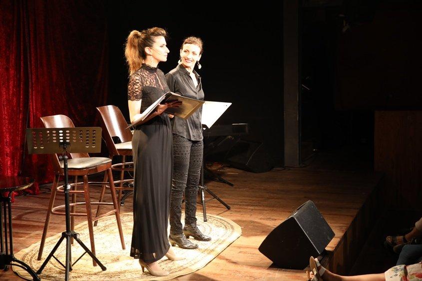 נילי צרויה ומיכל ויינברג בסיפורים אינטימיים. צילום רומי רומנו