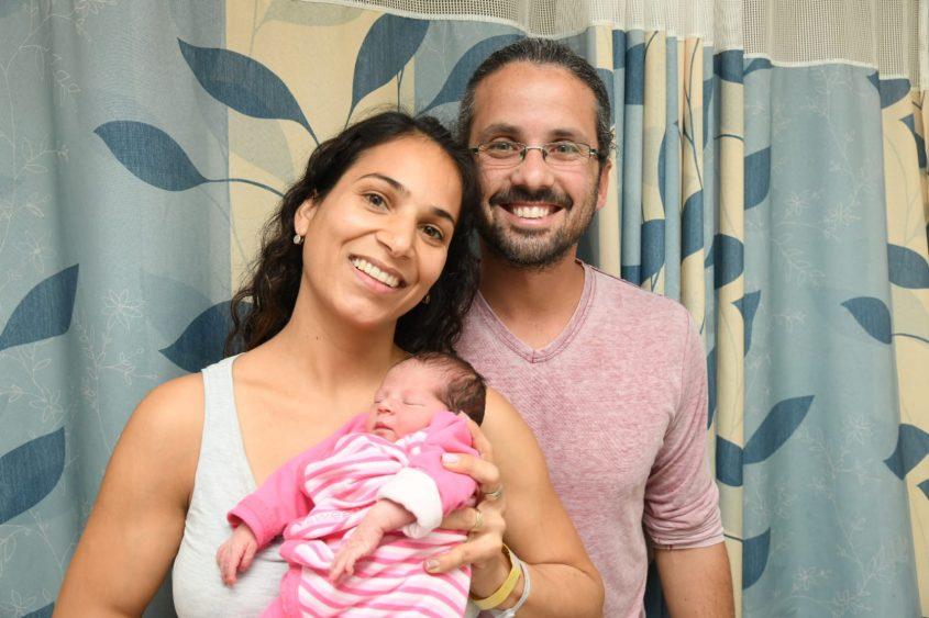 עדי ועידו יאנה עם בתם התינוקת