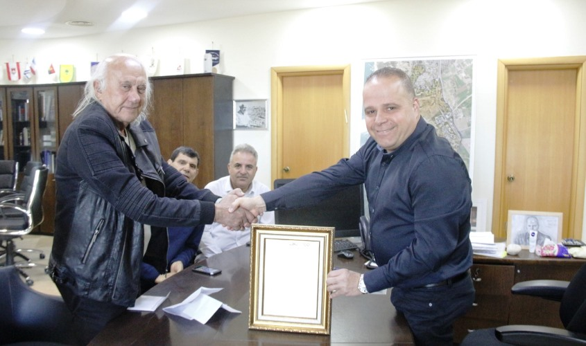תומר גלאם וסמי סאם. צילום: דוברות עיריית אשקלון