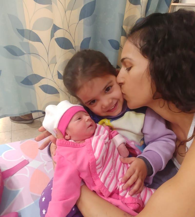 עדי יאנה, בתה הבכורה והתינוקת