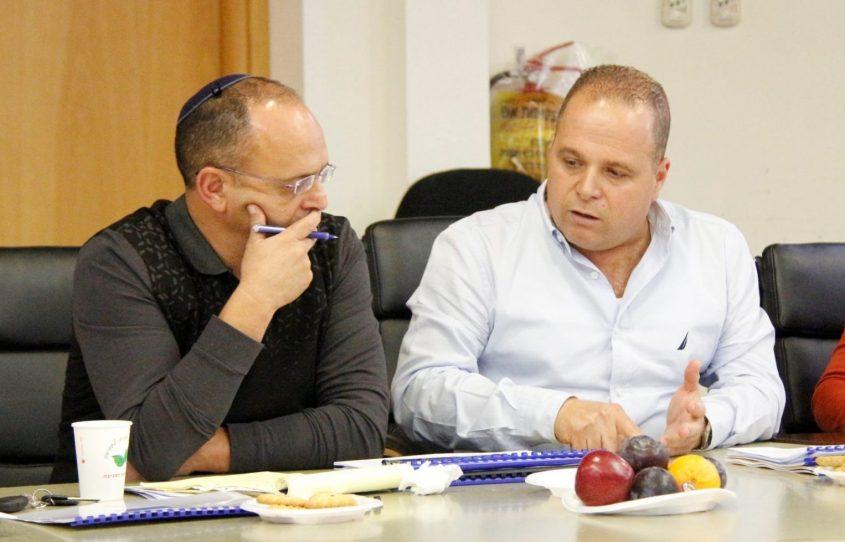 תומר גלאם ואיציק ויצמן. צילום: דוברות העירייה