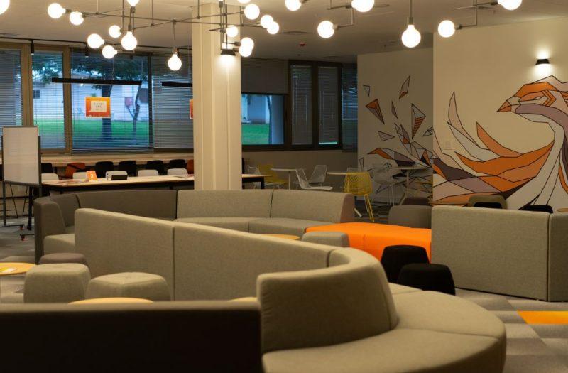 """מרחב היזמות והחדשנות """"eXlab"""" ב""""המכללה האקדמית ספיר"""". צילום: רון רחמני."""