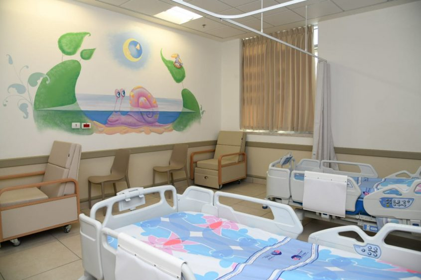 2 מיטות בכל חדר. מחלקת הילדים החדשה בברזילי. צילום: מורן ניסים, צילום רפואי ברזילי