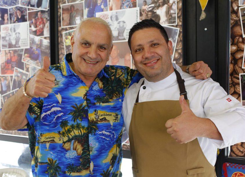 מיקי סוויסה ורוזה חטב מבשלים יחד. צילום: פאבל