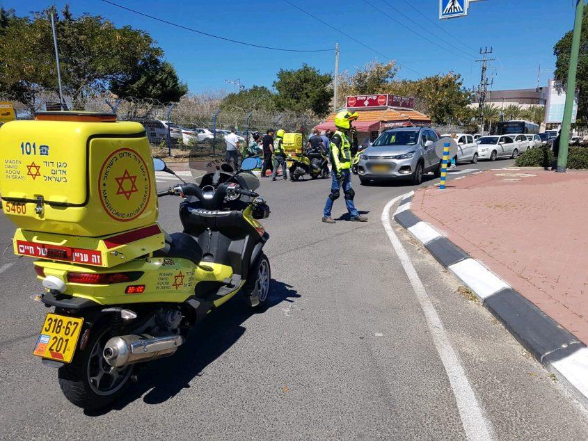 """זירת התאונה לפני זמן קצר ברחוב ההסתדרות. צילום: דוברות מד""""א"""