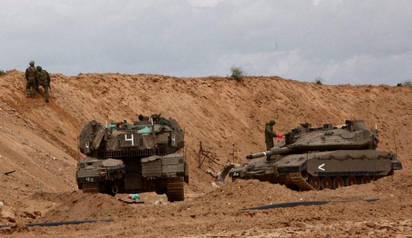 """כוחות צה""""ל בגבול הרצועה. צילום: אליהו הרשקוביץ"""