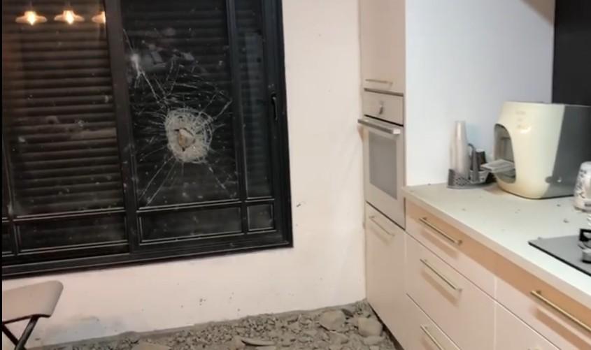 הבית שנפגע. צילום: דוברות המשטרה