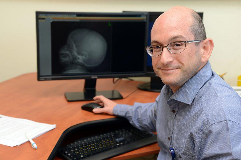 דר ליאור כהן מנהל המכון הגנטי. קרדיט צילום מורן ניסים צילום רפואי