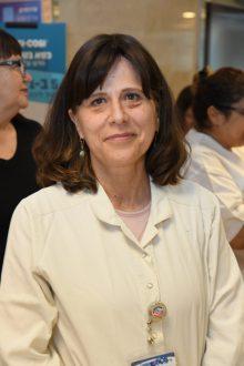 יונה תקתוק - אחות אחראית במכון להמטולוגיה. קרדיט צילום: דוד אביעוז, צילום רפואי ברזילי