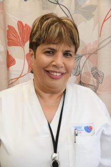 אוסנת בן-חמו - אחות אחראית במכון ריאות. קרדיט צילום: דוד אביעוז, צילום רפואי ברזילי