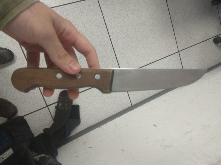 """הסכין שנתפסה. צילום: דובר צה""""ל"""