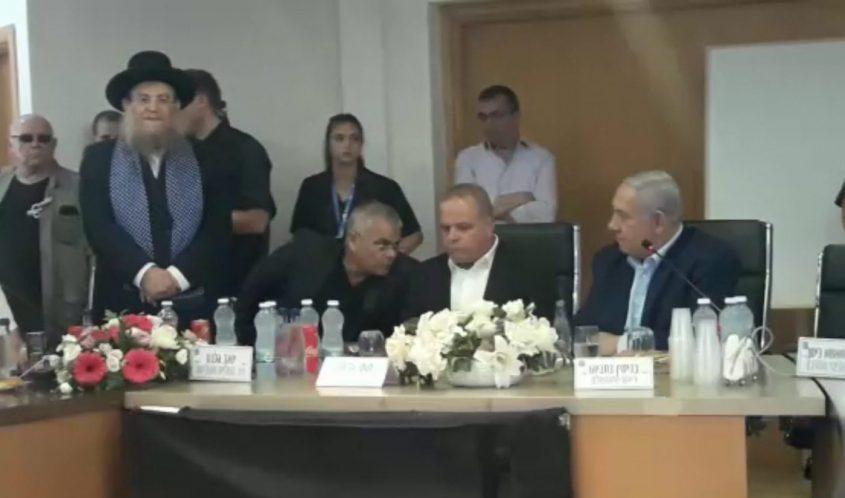 הרב יצחק ברדא מברך את ראש הממשלה
