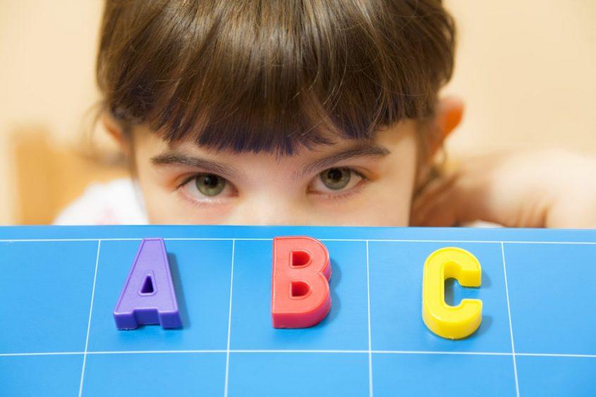לימוד אנגלית. צילום: א.ס.א.פ קריאייטיב / INGIMAGE