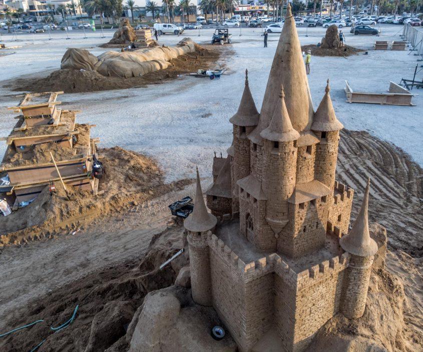 מגדלים בחול. צילום: שלמה בן אל ויונה אלמוג
