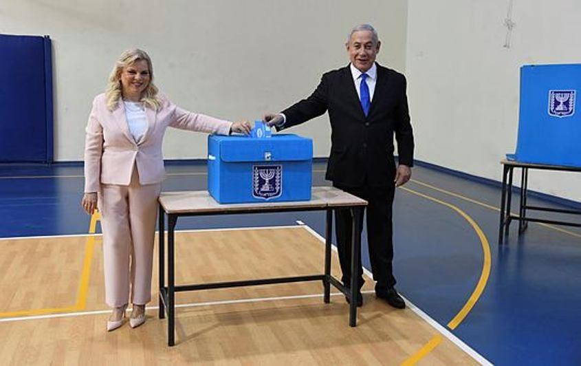 """בנימין ושרה נתניהו מצביעים. צילום: חיים צח/לע""""מ"""