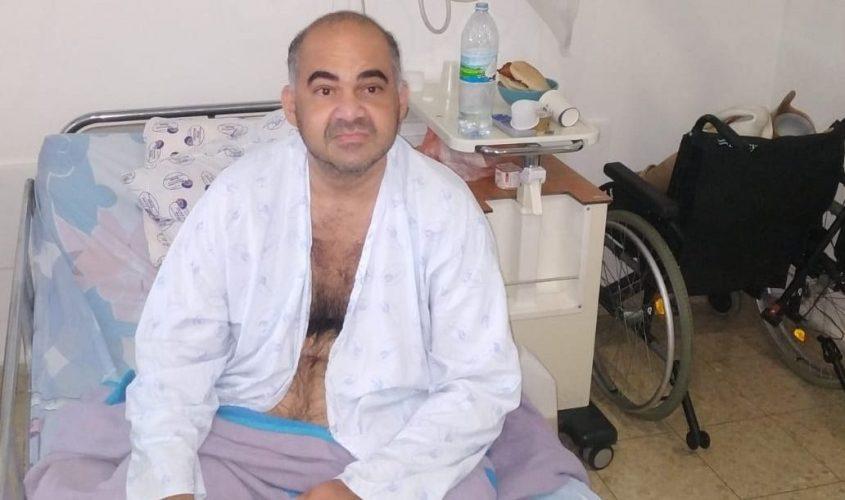 שלומי ארביב על המיטה בבית החולים