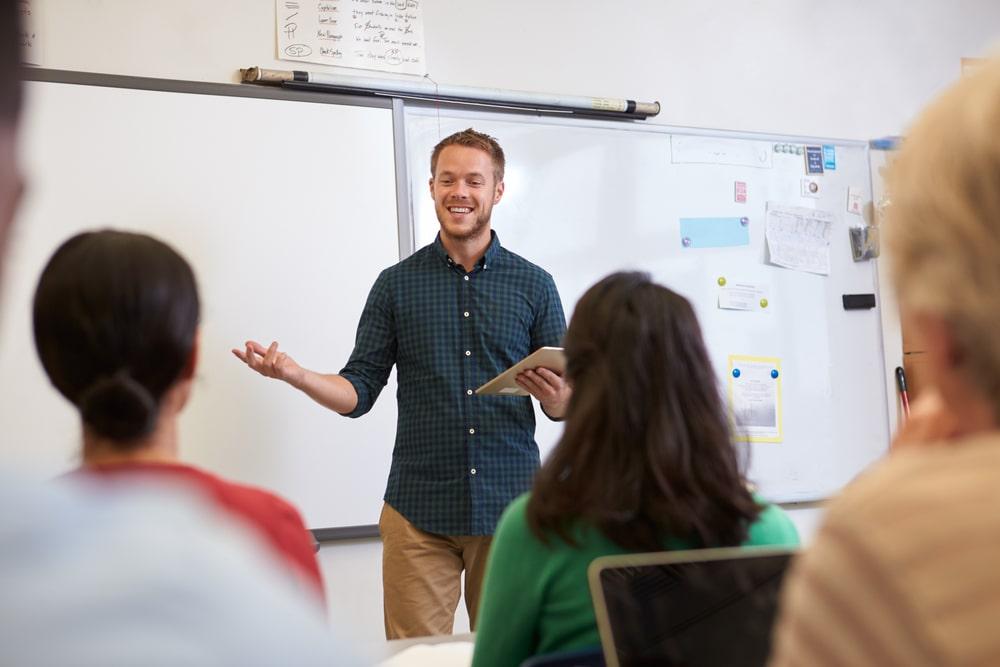 לימודי הוראה בדרום (תמונה ממאגר shutterstock, צילום: Monkey Business Images)