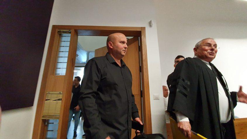 איתמר שמעוני נכנס לבית המשפט. צילום: משה עזריאל