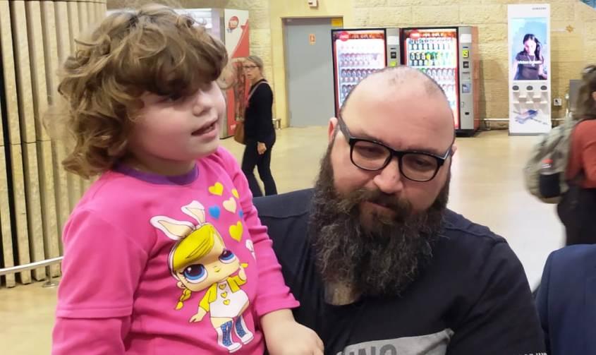יגאל מולנר ובתו אמילי