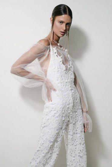 עמי סנזורי. שמלת כלה בהתאמה אישית. צילום: משה אהרון