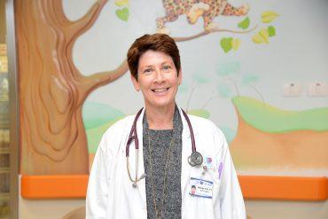 דר גלי שטופמן, מנהלת המרכז לטיפול משלים בבית החולים. קרדיט: צילום רפואי ברזילי