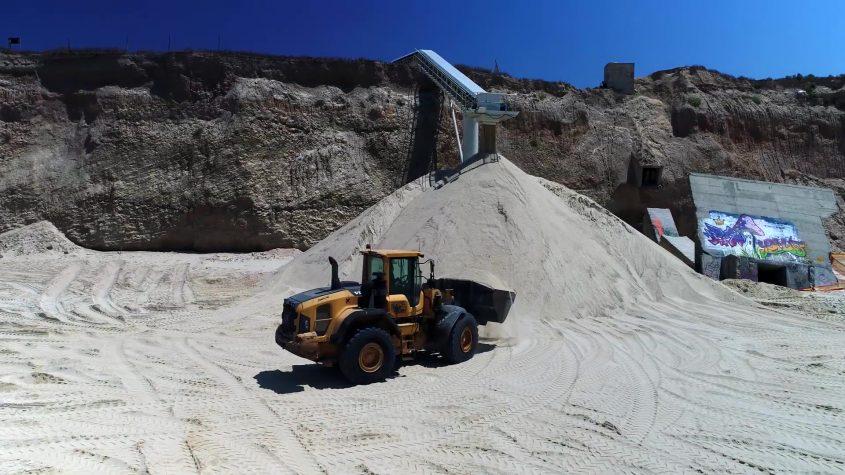 העבודות על המצוק. צילום: אלבטרוס, החברה הממשלתית להגנה על המצוקים