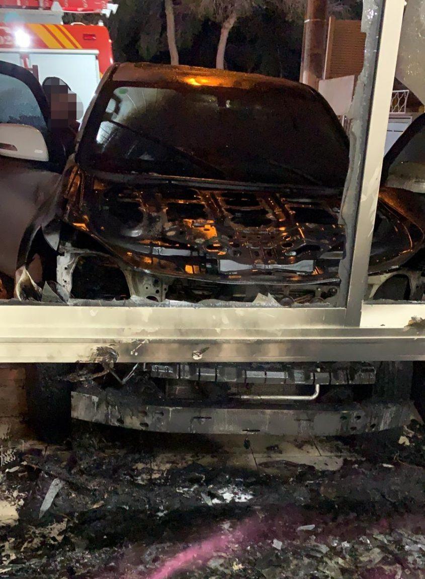 הרכב לאחר ההצתה