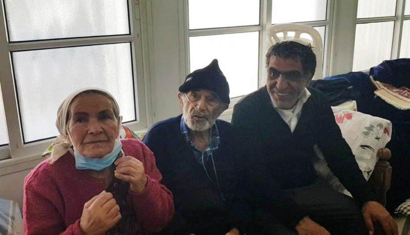 """הזוג ברכה עם החתן עו""""ד יצחק אגדי"""