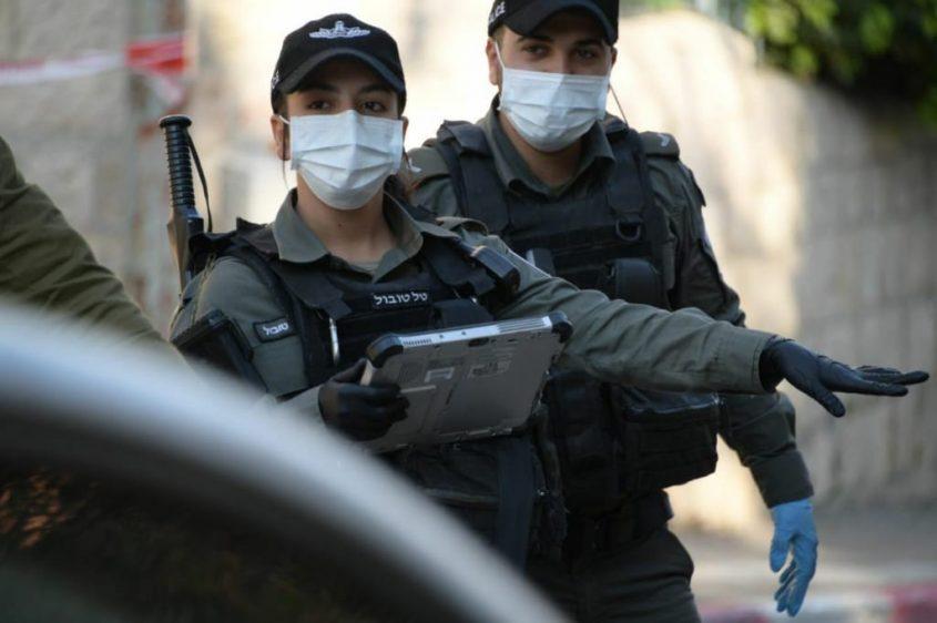 שוטרי משטרת ישראל אוכפים סגר. צילום: דוברות המשטרה