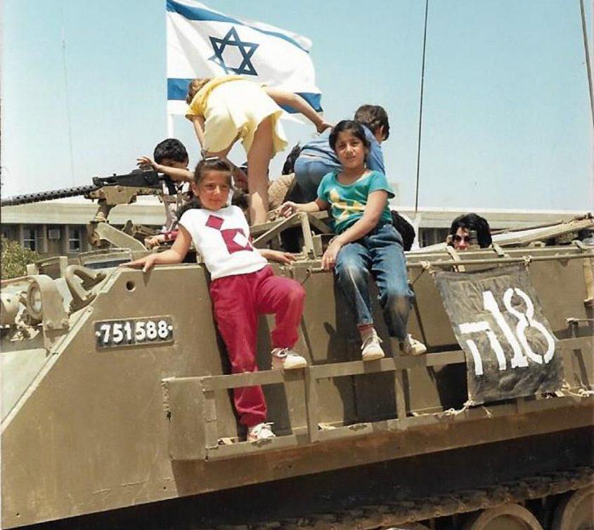 עינב קורן במייצג של יום העצמאות בשנת 88'. צילום מאלבום משפחתי