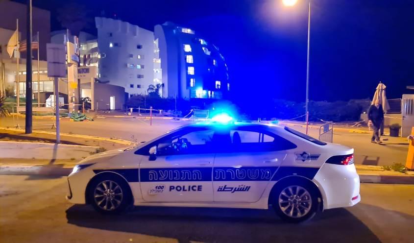 ניידת משטרה מחוץ למלון. צילום: דוברות המשטרה