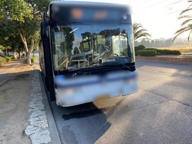אחד האוטובוסים שהורדו מהכביש. צילום: דוברות המשטרה