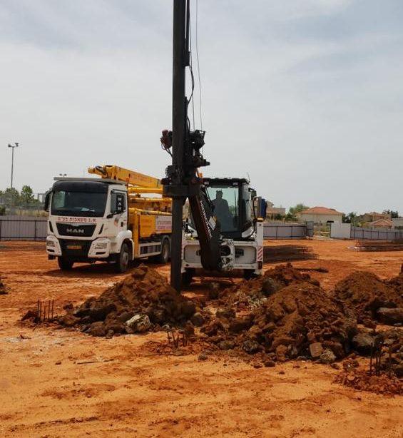 העבודות החלו. כאן תקום המדרשה לבנות בניצן. צילום: דוברות המועצה האזורית חוף אשקלון