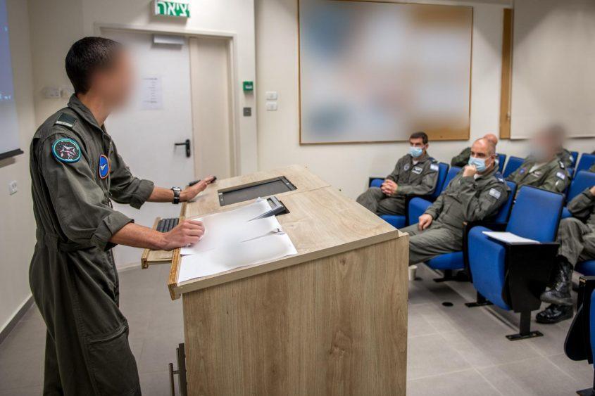 """סיום קורס מפעילי כטמ""""ם בבסיס פלמחים. צילום: דו""""צ"""