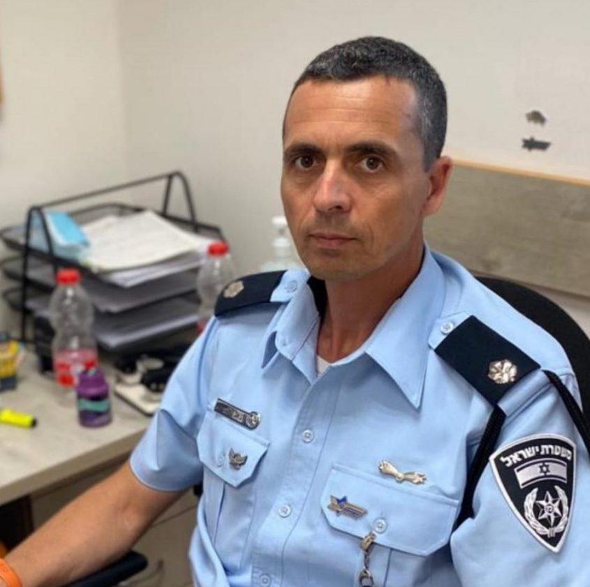 """רפ""""ק יגאל אוחיון. קצין התנועה של מרחב לכיש. צילום: דוברות המשטרה"""