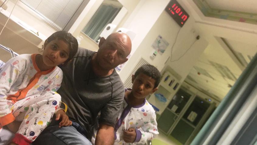 ג'מיל ושניים מילדיו בבית החולים