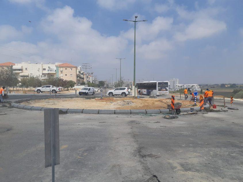 הכיכר החדשה שמוקמת בימים אלה צמות למסוף האוטובוסים. צילום: אלירם משה
