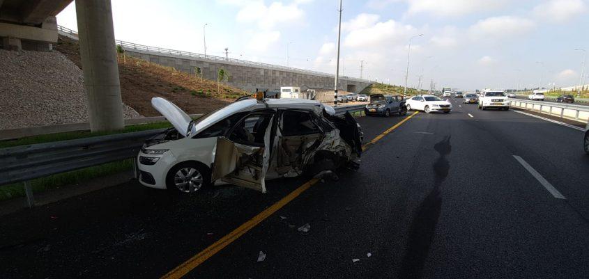 שתי המכוניות הפרטיות שהיו מעורבות בתאונה. צילום: תיעוד מבצעי כבאות והצלה